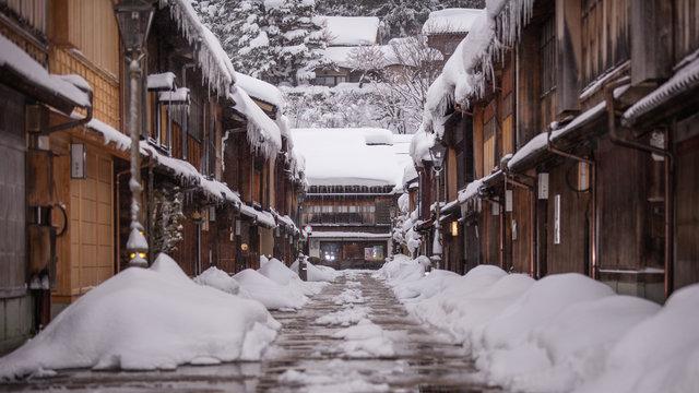 石川県 東茶屋街 雪景色