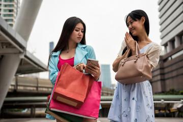 shopping girl blame friend for delay