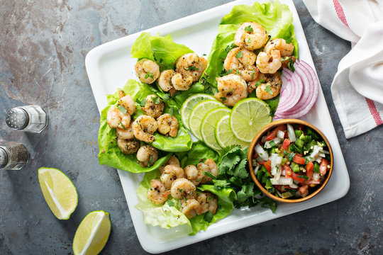 Spicy shrimp lettuce wraps with salsa