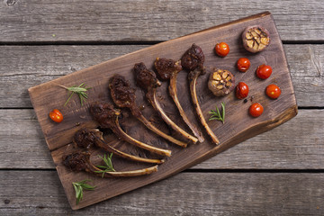 Grilled ribs or rack of lamb and ingridient