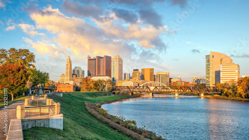 Fotomurales View of downtown Columbus Ohio Skyline at Sunset
