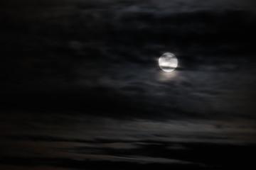 Luna llena nubes4