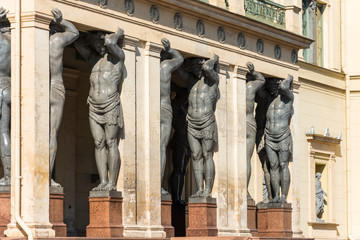 Atlanta ancient statue, keep a stone roof canopy in St. Petersburg.