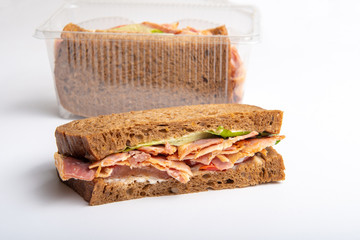 bacon sandwich with tomatoes