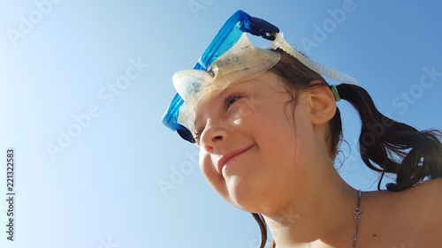 Bambina Sorridente Con Maschera Da Sub Stock Photo And Royalty Free
