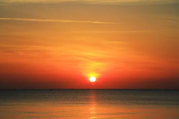 Autocollant pour porte Orange eclat beautiful sunrise on the beach