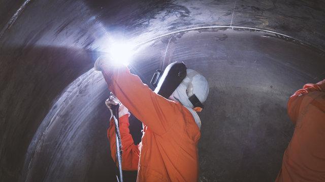 Welder Industrial welding part in Vessel and storage tank or Petrochemical.