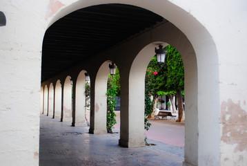 Soportal interior de la plaza