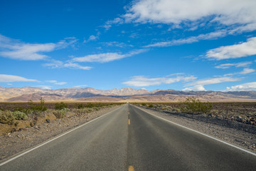State Route 190 through Death Valley near Stovepipe Wells