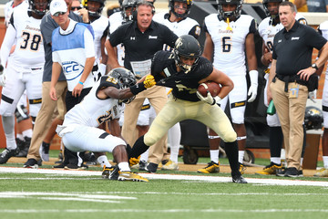 NCAA Football: Towson at Wake Forest