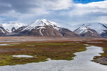 Adventdalen valley near Longyearbyen