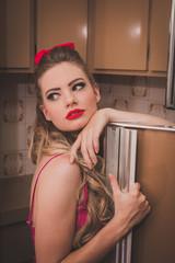 Garota da Cozinha - Vintage