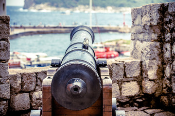 An old cannon stands in the fortress of Dubrovnik,Croatia. Fototapete