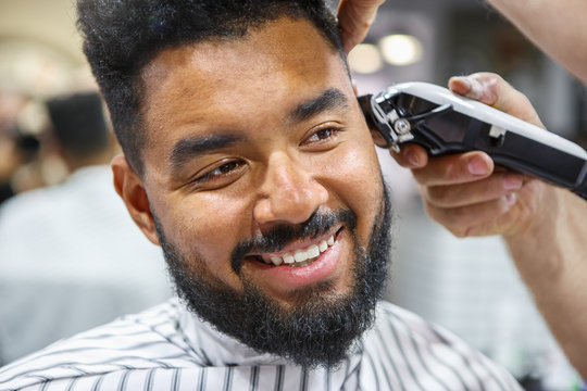 Black Men Haircut Stock Photos And Royalty Free Images Vectors And Illustrations Adobe Stock
