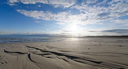 Wall Mural - Morgensonne im Watt: Meer, Nordsee, Strand auf Langenoog, Ruhe, Dünen, Natur, Entspannung, Erholung, Ferien, Urlaub, Meditation :)