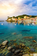 Stores photo Ligurie Sestri Levante - Paradise Bay of Silence with its boats and its lovely beach. Beautiful coast at Province of Genoa in Liguria, Italy, Europe.