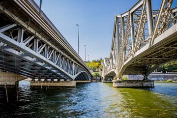 Le Pont ferrovière et le pont autoroutier de la Mulatière