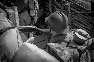 French soldier 1918 in the trench