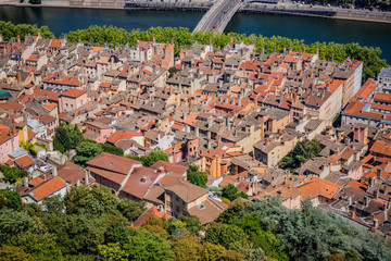 Vue du Vieux Lyon vu depuis la basilique de Fourvière