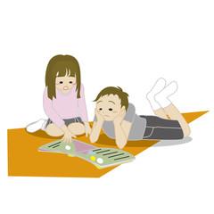 本を読む兄弟