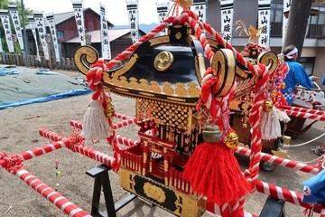 日本の祭りのおみこし