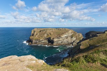 Fototapete - South west coast path view near Tintagel Cornwall England UK