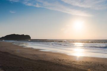 朝焼けの海岸 / 北海道 室蘭市 イタンキ浜