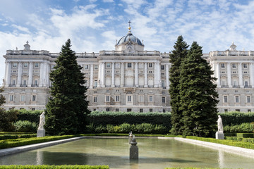 Palazzo Reale  Madrid vista dai giardini