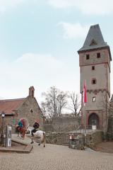 Burg Frankenstein, Hessen, Weihnachtsfrauen zu Pferd