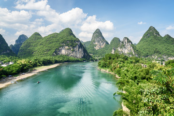 Foto op Plexiglas Guilin Amazing summer sunny landscape at Yangshuo County, Guilin, China