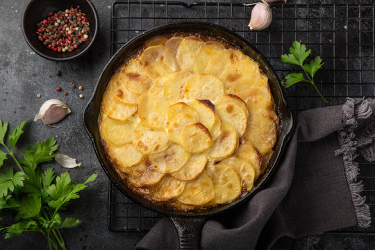 potato gratin in cast iron pan