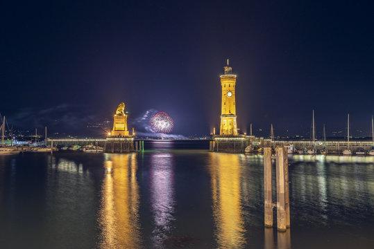 Lindauer Hafen mit Feuerwerk   Bodensee