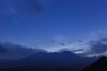 日没の開田高原から御嶽山