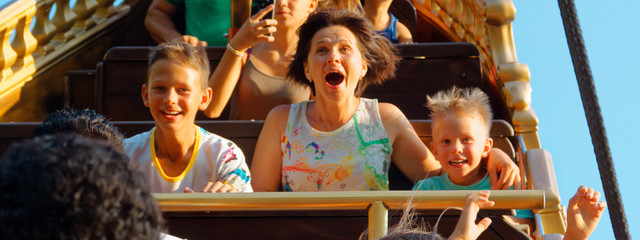 Tuinposter Amusementspark emotional portraits of people park attractions.