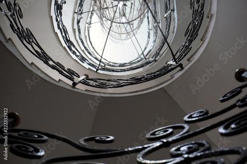 scala a chiocciola con parapetto in ferro battuto Stock photo and ...