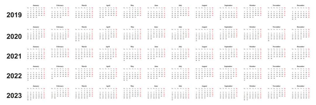 Kalender 2019, 2020, 2021,2022, einfaches Design, weißer Hintergrund, Sonntag rot markiert