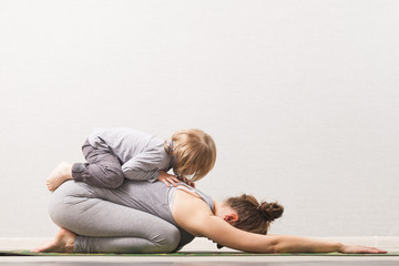 Printed roller blinds Yoga school woman mom practicing yoga with her child
