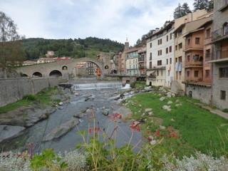 Puente de Camprodon. Pueblo medieval de Girona, Cataluña, España