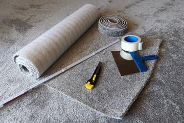 Einen neuen Teppichboden verlegen