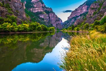 Beautiful Sunset Hike to Hanging Lake in Glenwood Springs, Colorado