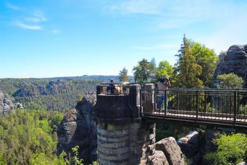 Sächsische Schweiz, Basteibrücke, Leute, Videofilmer