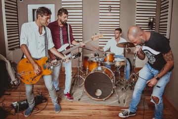 rock band in sala prove