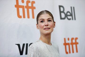 """Actor Rosamund Pike arrives for the premiere of """"A Private War"""" at the Toronto International Film Festival in Toronto"""