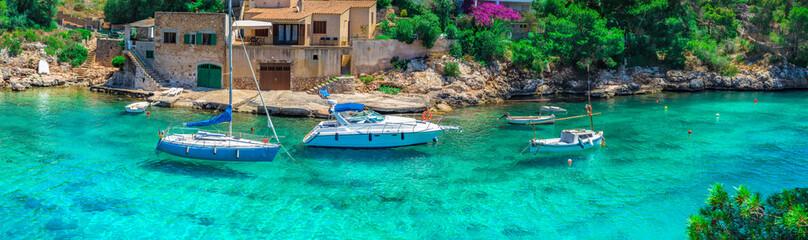 Fotorolgordijn Groene koraal Sommer Urlaub Reise Mallorca Meer Bucht Boote Mittelmeer Landschaft Insel Spanien