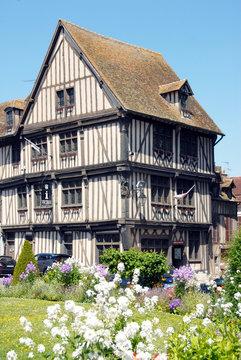 Ville de Vernon, Maison du Temps Jadis, demeure à pans de bois (XVe siècle), aujourd'hui l'Office de Tourisme, département de l'Eure, Normandie, France