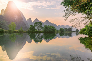 Zelfklevend Fotobehang Guilin Sunset view of Li River. Yangshuo. Guangxi Province.