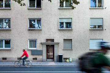 Gebäude Reihenhaus Fassade Eingang Haustür