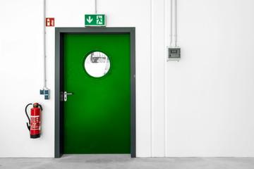 Fluchtweg grüne Tür Notausgang