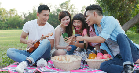 Youngster friends go picnic together