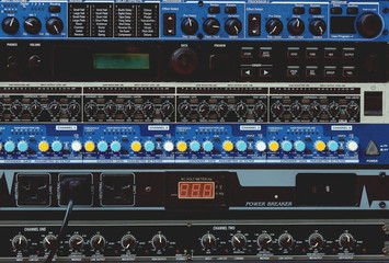 Mixing Console and Sound Engineering System
